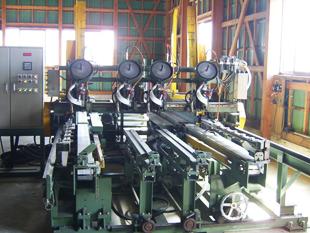 エアー式自動釘打機(ワンマン)月産約8,000枚